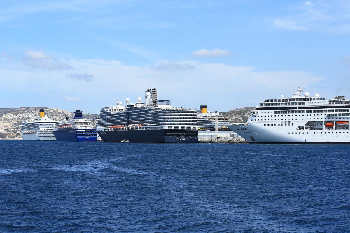 Marseille welcomes 7 cruise ships simultaneously medcruise - Port de croisiere marseille ...