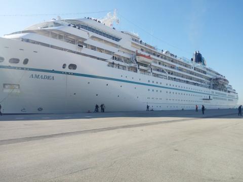 Tunisian Ports La Goulette Cruise Terminal Welcomes Phoenix - Cruise ship amadea