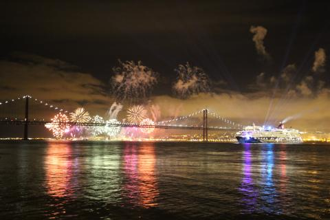 New Mein Schiff 2 christened in Lisbon - Κεντρική Εικόνα