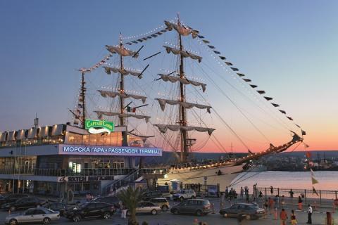 Cruise to Varna ! - Κεντρική Εικόνα