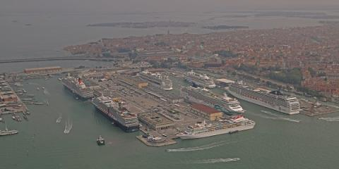 Cruise to Venice ! - Κεντρική Εικόνα