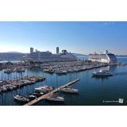 Ports of Toulon Bay welcomed simultaneously for the very first time the two cruise ships SEABOURN OVATION and NAUTICA - Κεντρική Εικόνα