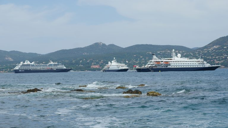 Toulon-Var Provence: St.Tropez welcomes five vessels simultaneously - Κεντρική Εικόνα